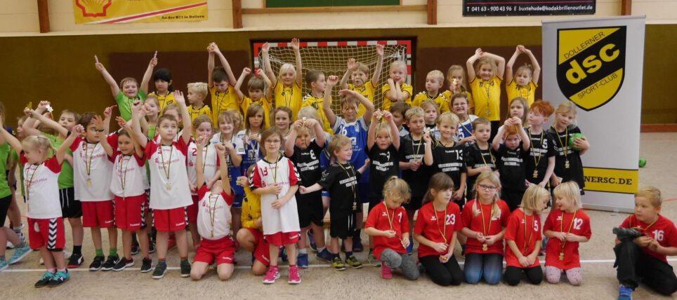 Dollerner Sport-Club: Der Nachwuchs aus dem Landkreis beim Handball-Minispielfest dabei
