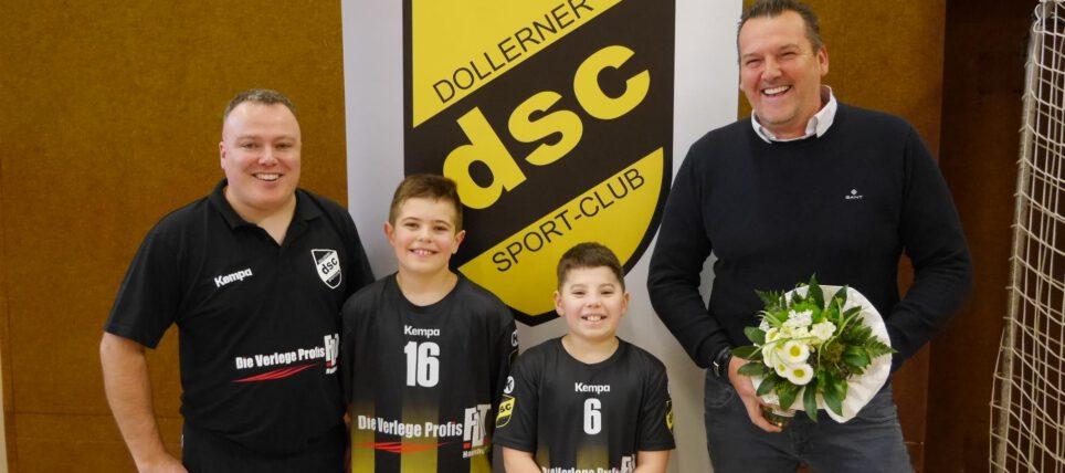 Jugend: MJE-Handballer werden von FDT um Klaus Horeis mit neuen Trikots unterstützt